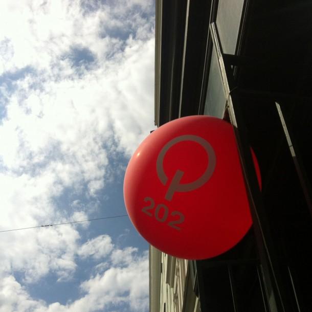 15-04-24 Q202 ballon